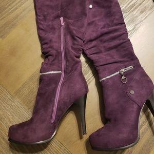 Shoes - NWOT Touba Boots